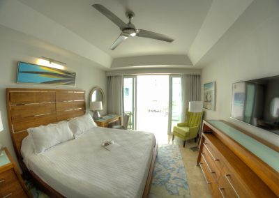 I love these modern clean looking rooms with that Caribbean touch here at Sandals Montego Bay