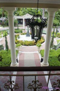 Royal Plantation Courtyard