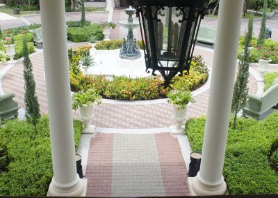 Royal Plantation Courtyard